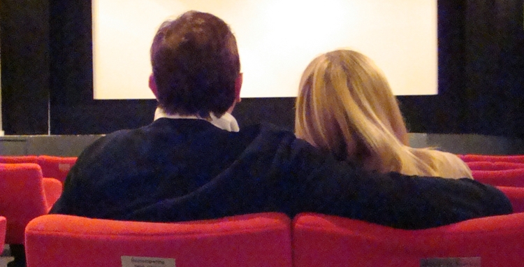 couple-in-cinema3