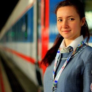 Работа для молодежи: как стать проводником на лето